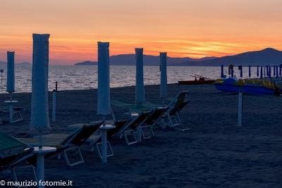 Marina di Grosseto tramonto sul mare spiaggia al tramonto